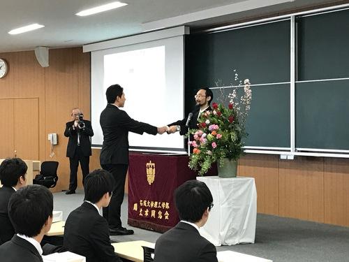 山田君学位記授与.JPG